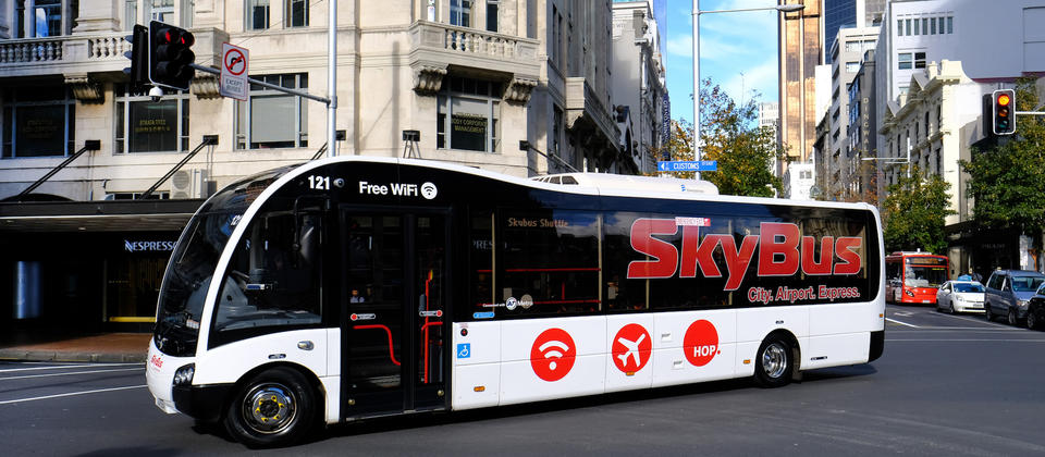 SkyBus in Auckland city