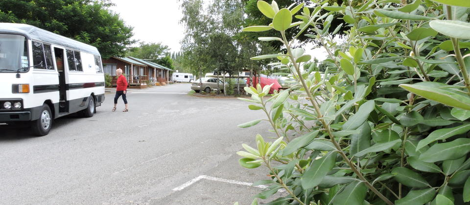 Spacious, level, sheltered and quiet powered camp sites with full use of the parks communal facilities.