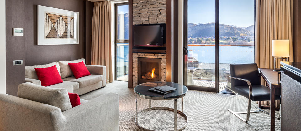 In this Deluxe Lakeview Room, relax on the balcony overlooking Lake Wakatipu, or get cosy on the sofa in front of the gas fire.