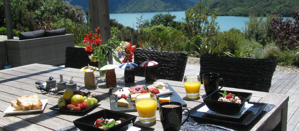 breakfast with sea view
