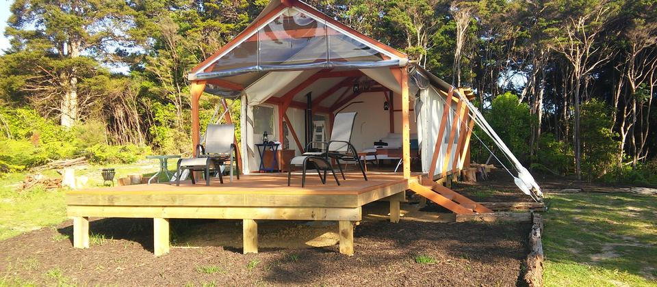 The luxury tent at Maunga Iti