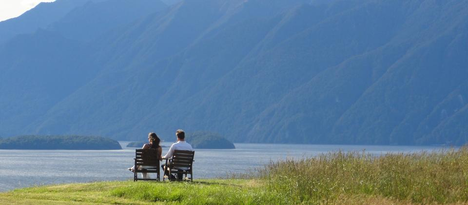 Located directly opposite the World Heritage Area Fiordland National Park