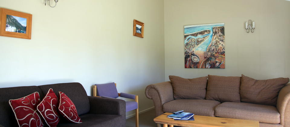 The Lounge, The Villa at Edgewater Motel Te Anau