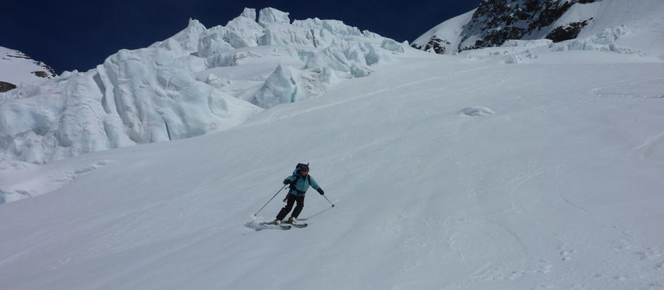 Ski touring in the Southern Alps of New Zealand