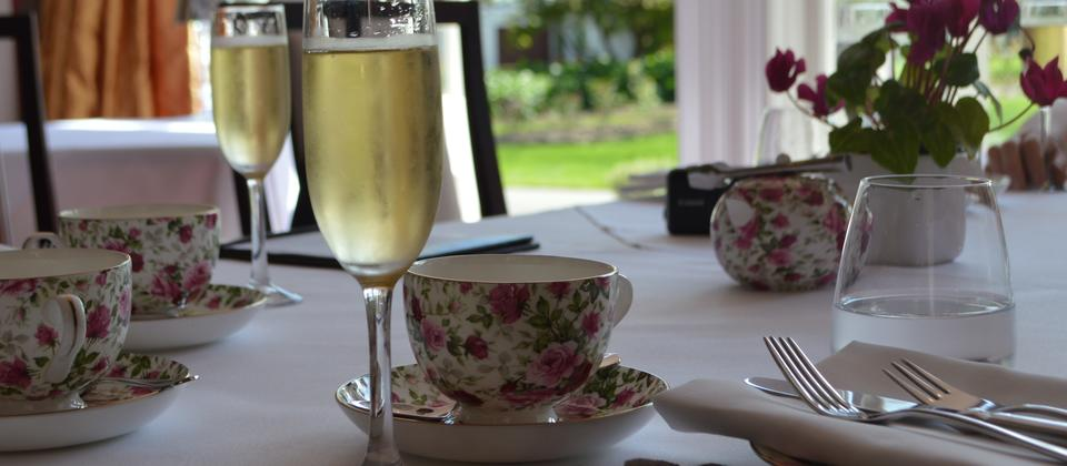 High Tea & Bubbles in Style with Hooters Car Hire, Napier