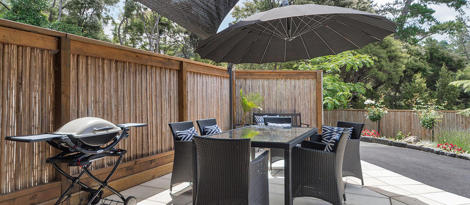cottage outdoor dining H.jpg