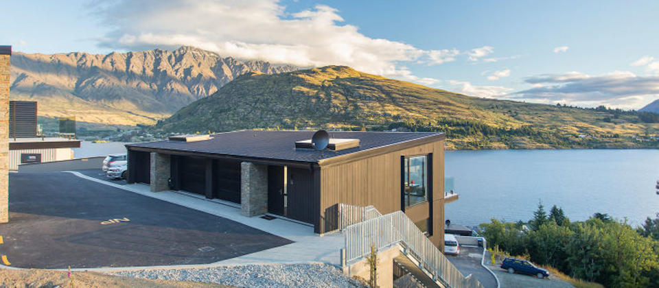 new-zealand-queenstown-the-highlander-luxury-holiday-houses-villas-apartments.108082.904x505.jpg