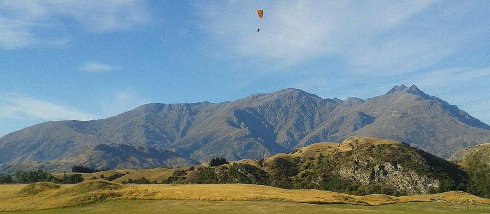 Learning to Paraglide with Extreme Air Queenstown.