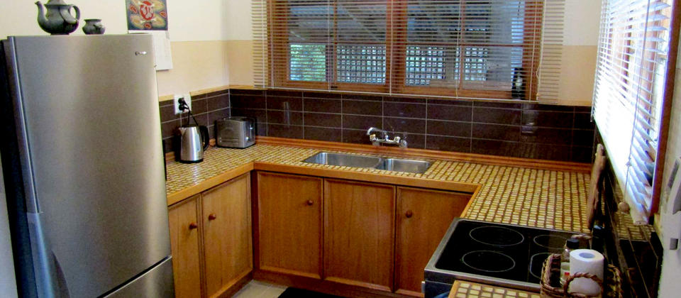 A fully equipped kitchen with full oven and fridge freezer makes your stay easy.
