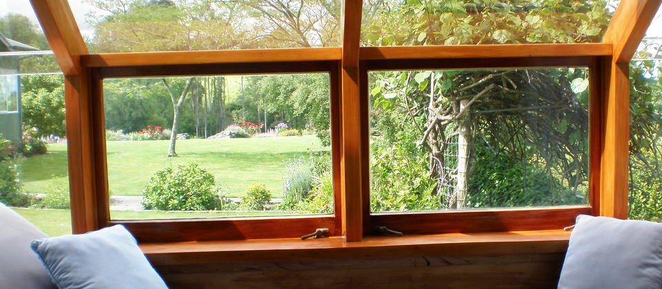 Country room window seat