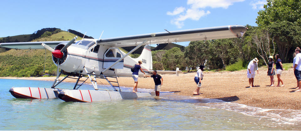 Float Plane at Man O War Bay