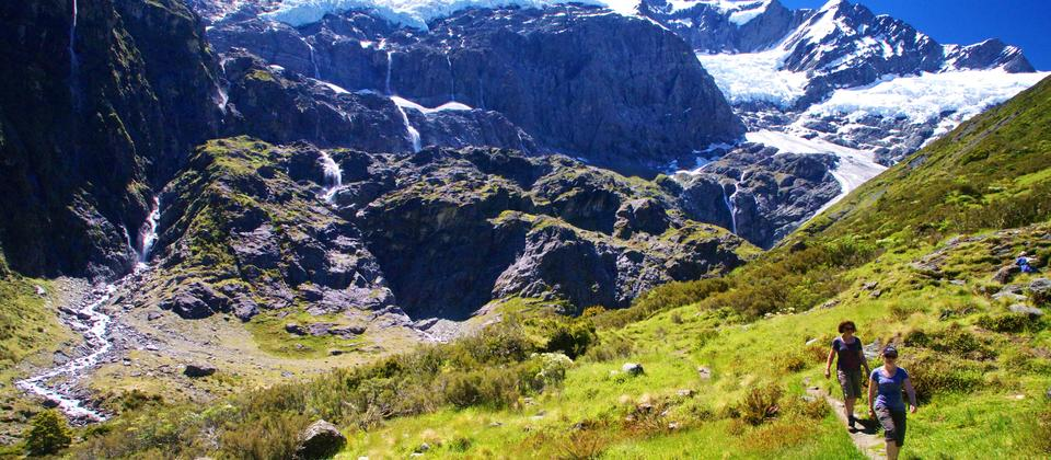 Hiking to Rob Roy Glacier