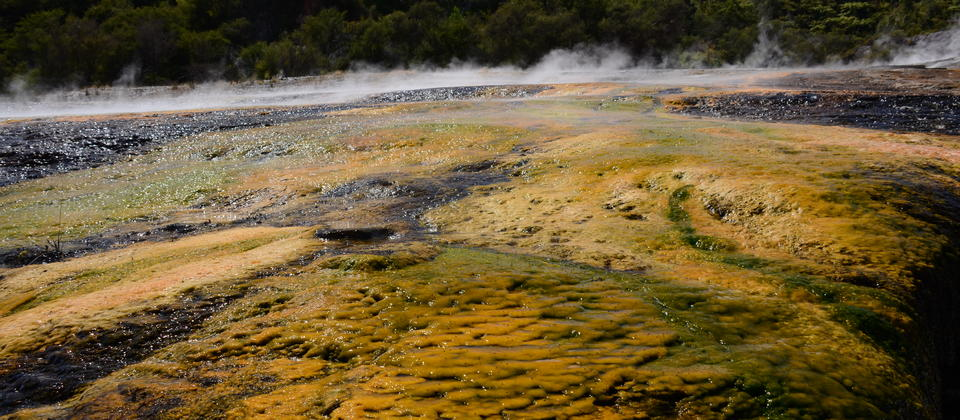 beautiful-geothermal-attraction