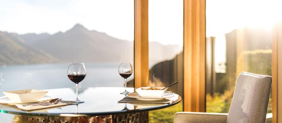 Villa Dining table with a view
