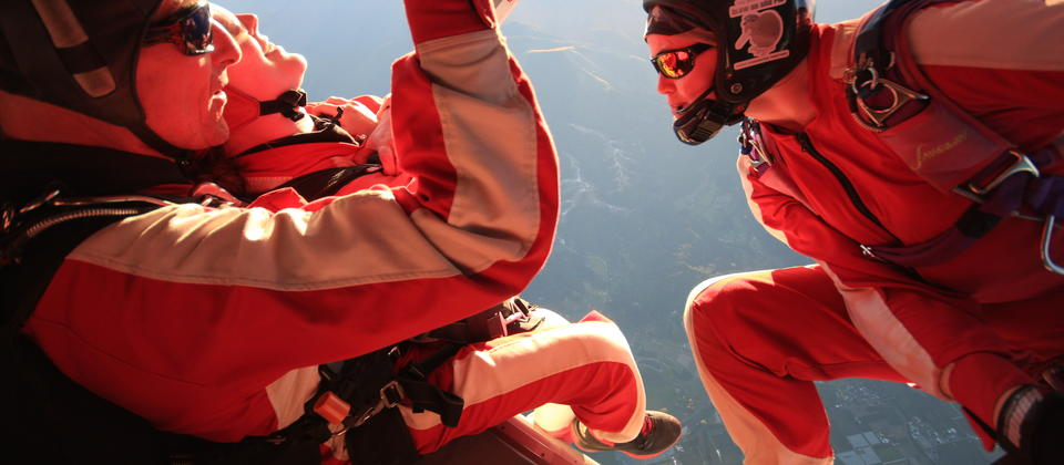 Get your own personal cameraman to capture your skydive on film.