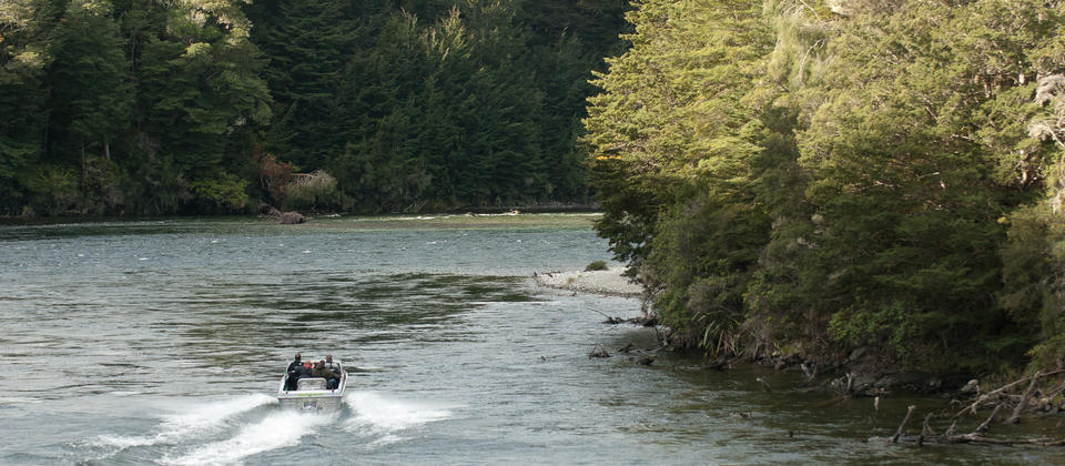 Fishing on the Waiau River with Fishjet.