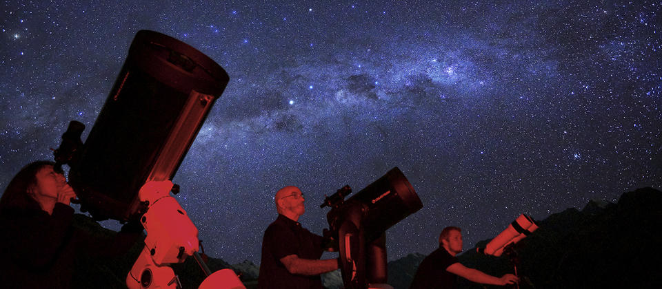Experience Mount Cook Stargazing with our experience guides
