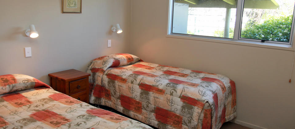 Twin Bedroom, The Villa at Edgewater Motel Te Anau