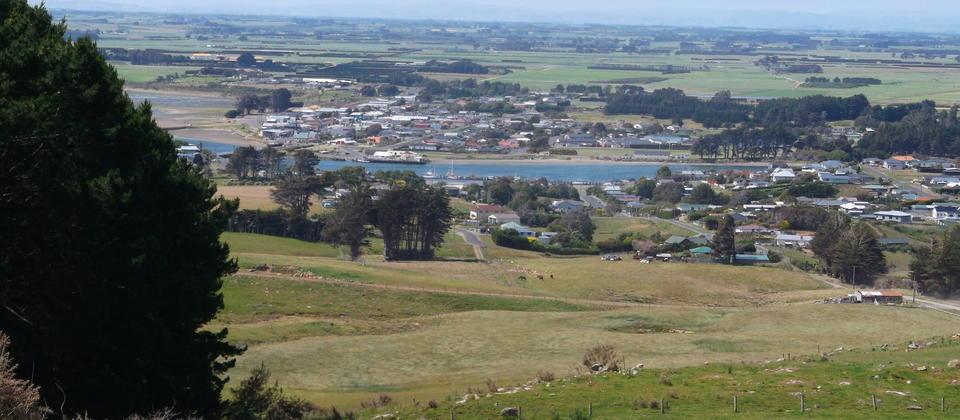 Riverton from Mores Scenic Reserve