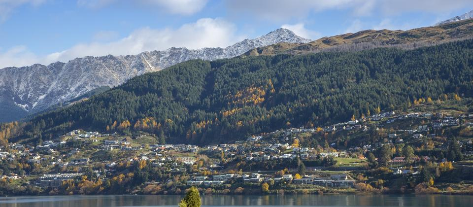 Queenstown-mountain-lake-views-Sunnyside-Vista-accommodation.jpg