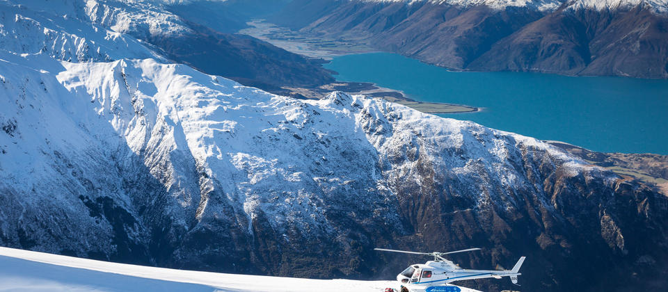 Chopper above lake Wanaka.jpg