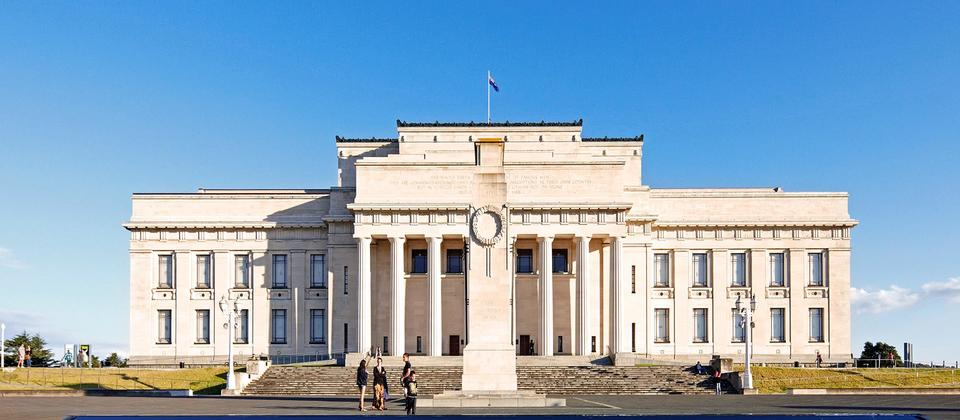 See the magnificent Auckland Museum as you cruise through the Auckland Domain