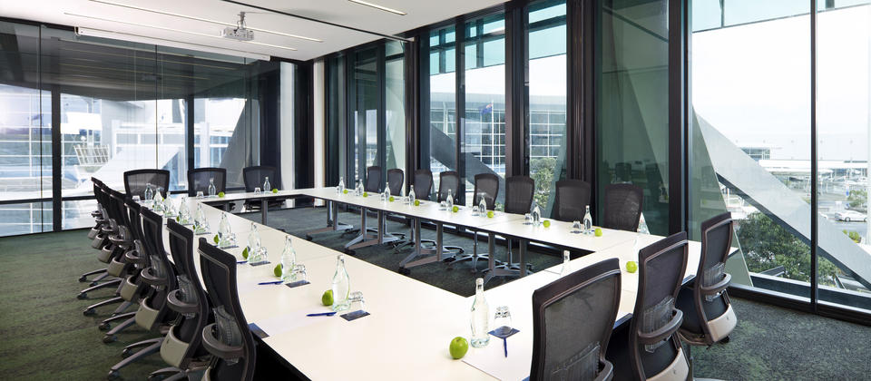 Natural Light and hush glass provides an ideal training or boardroom environment
