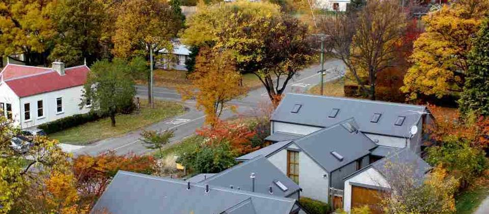 Small luxury Queenstown B&B nestled in the historic precinct. Authentic, relaxing & sophisticated.