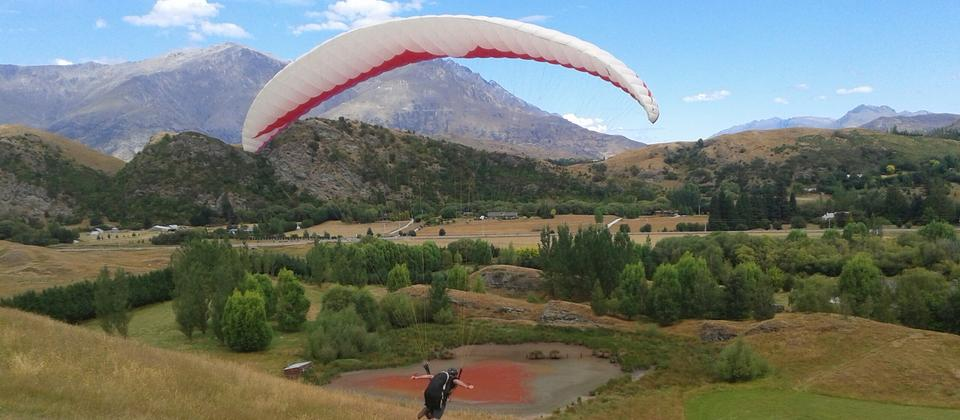 Queenstown Paragliding School day course.