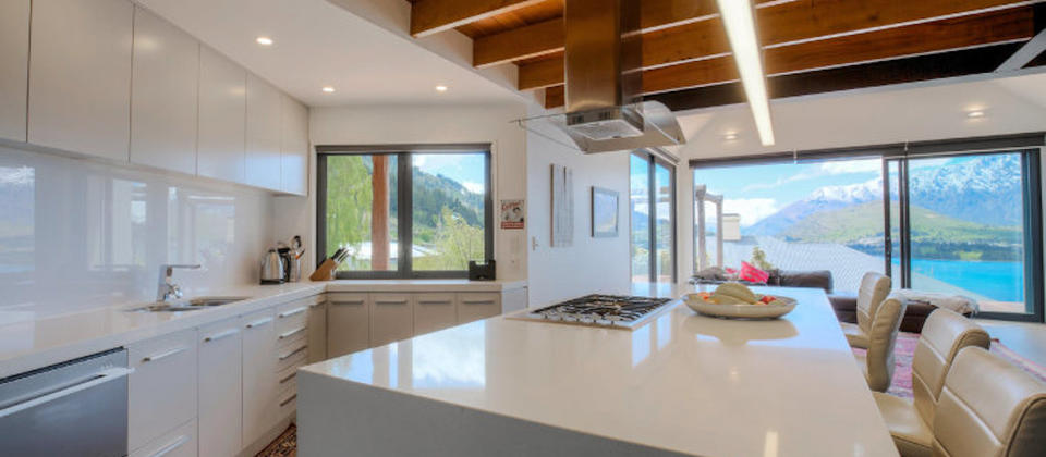 new-zealand-luxury-holiday-houses-villas-apartments-queenstown-haumanu-5631.77818.904x505.jpg
