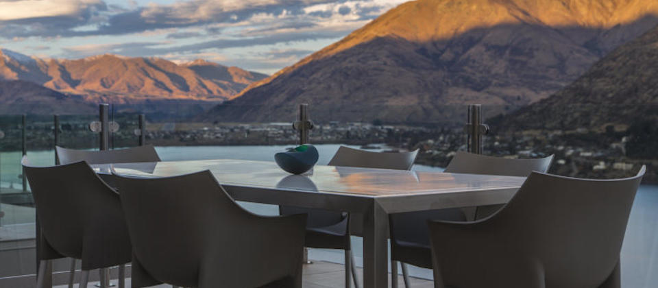 queenstown-luxury-holiday-houses-villas-apartments-mountain-lake-views-1-new-zealand.127947.904x505.jpg