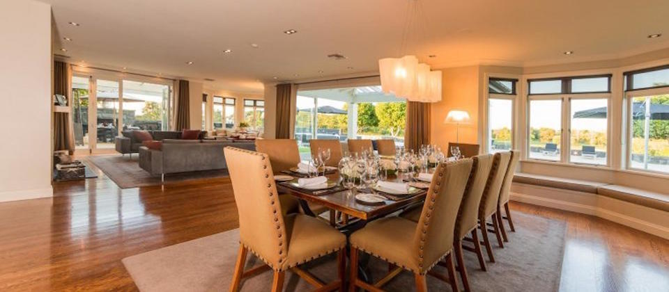 new-zealand-exclusive-retreat-luxury-holiday-houses-villas-apartments-auckland-region.102517.904x505.jpg