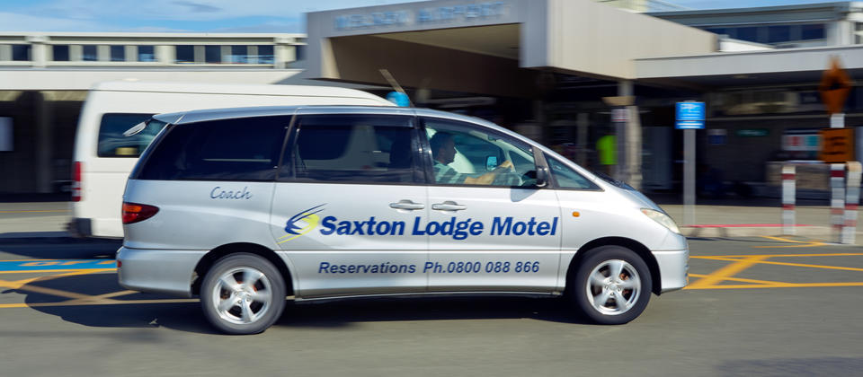 Saxton-Lodge-Airport-Shuttle-Free-Nelson.jpg