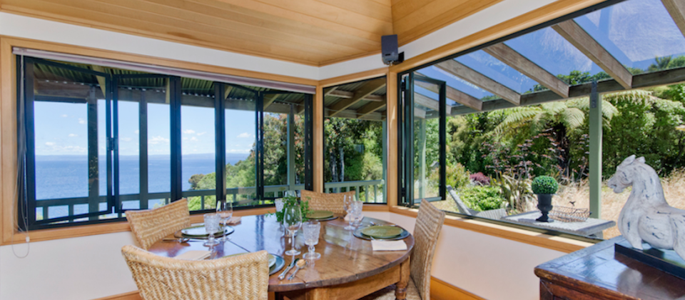 taupo-treetops-lakestay-7908-luxury-holiday-houses-villas-apartments-new-zealand-lake-taupo.93654.904x505.png