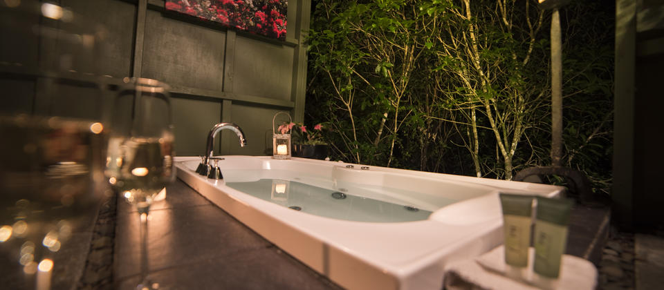 Wairua Lodge - Treetop Bath House