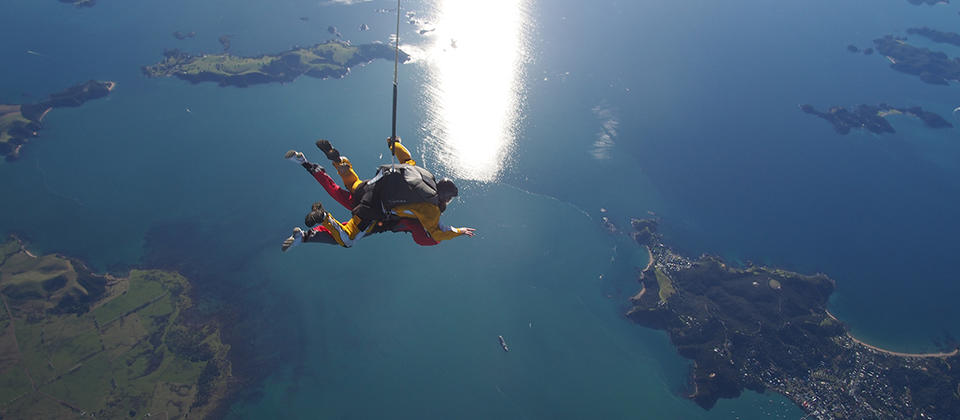 Free fall over the beautiful Bay of Islands