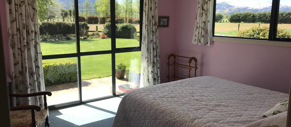 Double Room with panoramic views of Mt Hutt and Mt Somers