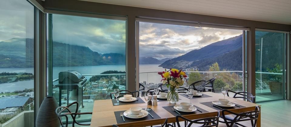 dining-with-a-view-Queenstown-at-Panorama-on-the-Terrace-luxury-accommodation.jpg