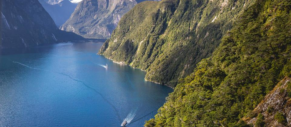Milford Wanderer Overnight Cruises - Real Journeys