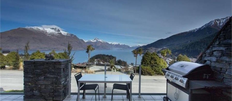 lake-wakatipu-views-8411-new-zealand-queenstown-luxury-holiday-houses-villas-apartments.97730.904x505.jpeg