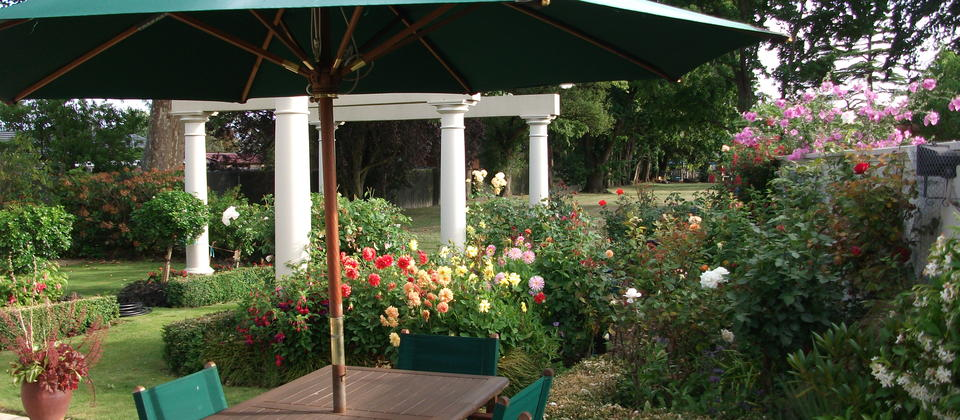 Relax & enjoy our beautiful garden which overlooks over a lovely tranquil park