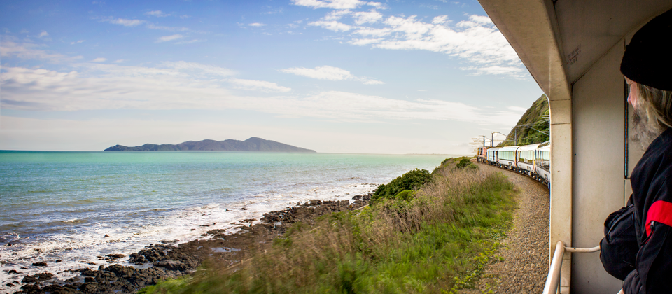 Northern-Explorer--Kapiti-Island-Onboard--Viewing-Carriage--RH1742--TM.png