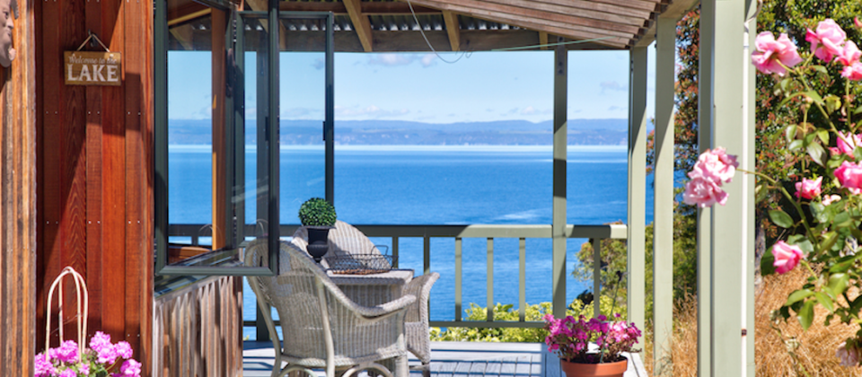 taupo-treetops-lakestay-7908-luxury-holiday-houses-villas-apartments-lake-taupo-new-zealand.93663.904x505.png