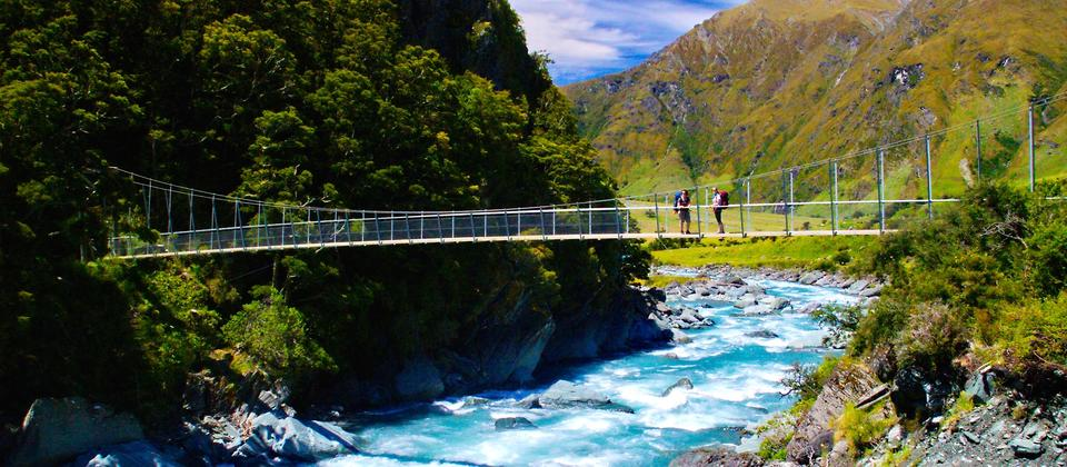 Hiking the Rob Roy swing bridge