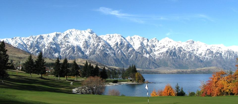 The signature 5th hole at Queenstown Golf Club