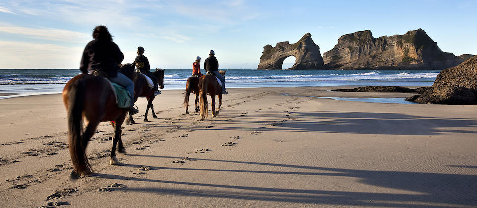 Wharariki beach horse riding