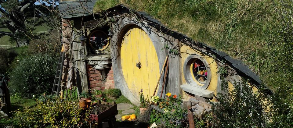 Lord of the Rings little Hobbit hole houses