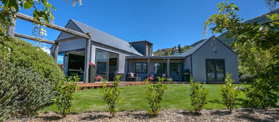 queenstown-luxury-holiday-houses-villas-apartments-haumanu-5631-new-zealand.77789.904x505.jpg