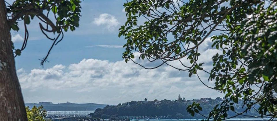 auckland-central-new-zealand-luxury-holiday-houses-villas-apartments-remuera-villa-8530.100179.904x505.jpeg