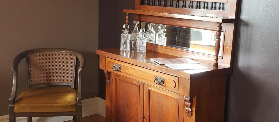 Antique hutch Pure NZ.jpg